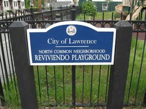 North Common Neighborhood Reviviendo Playground